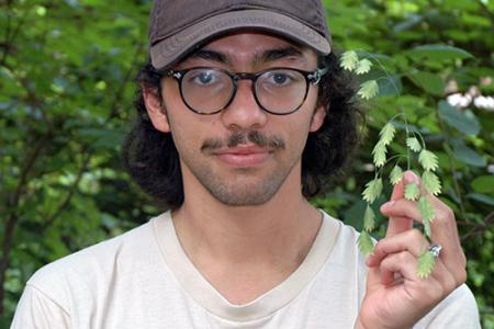 Juan Angulo Receives Summer Internship at Chicago Botanic Garden